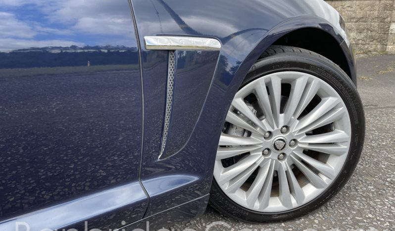 2013 Jaguar XF Premium LUX Sportbrake full